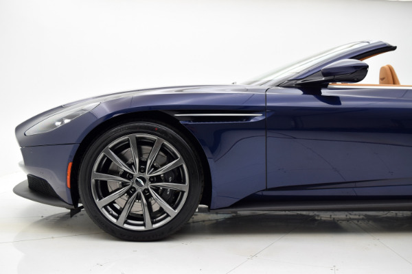 Aston Martin DB11 2019 For Sale $240874 Stock Number 19A119 9821_p23