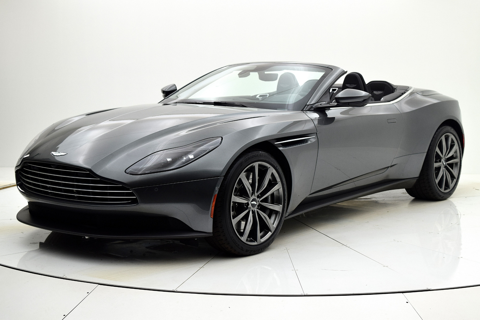 New 2019 Aston Martin DB11 Volante for sale $232,283 at F.C. Kerbeck Aston Martin in Palmyra NJ 08065 2