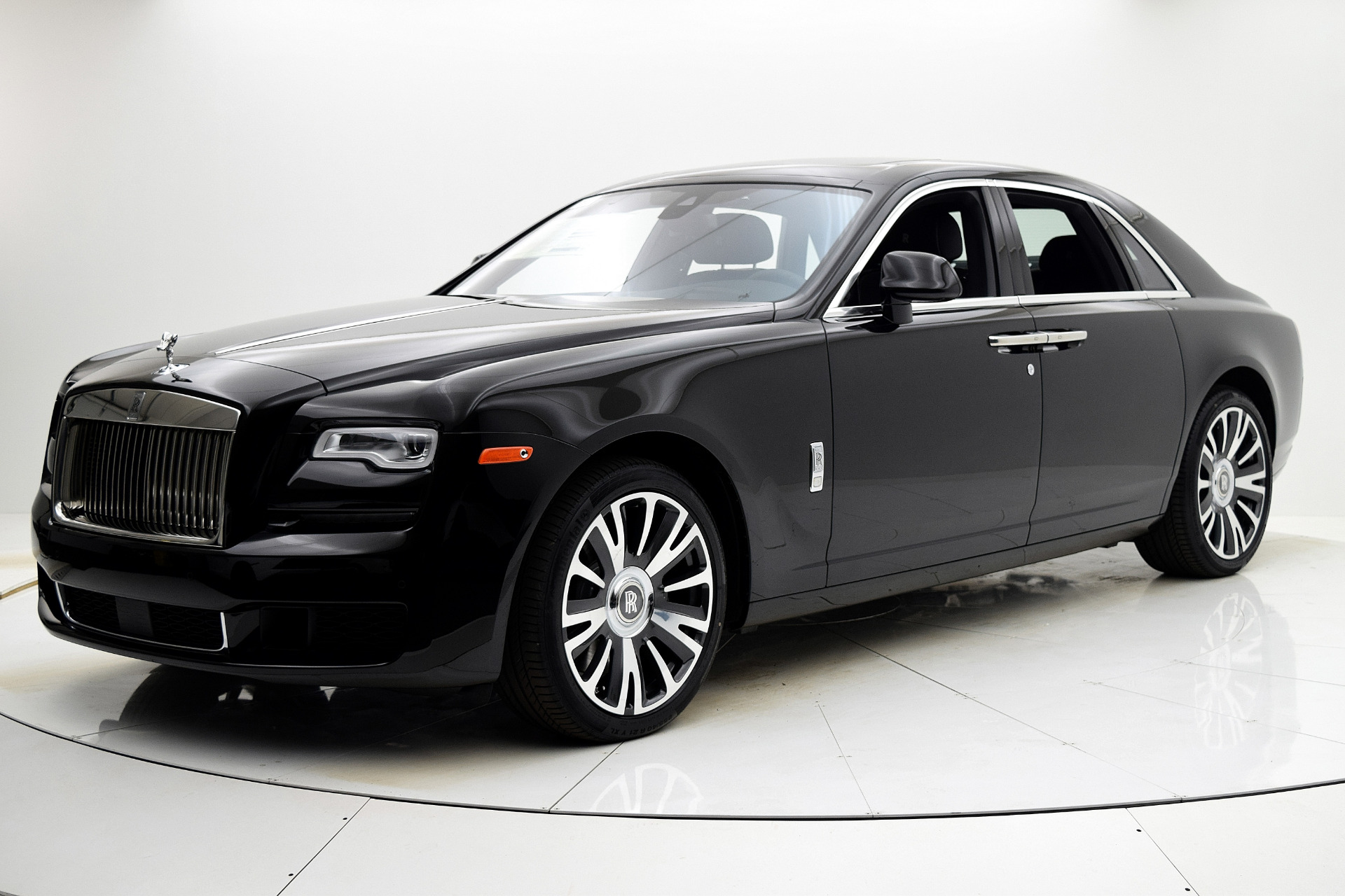 New 2019 Rolls-Royce Ghost for sale $338,375 at F.C. Kerbeck Aston Martin in Palmyra NJ 08065 2