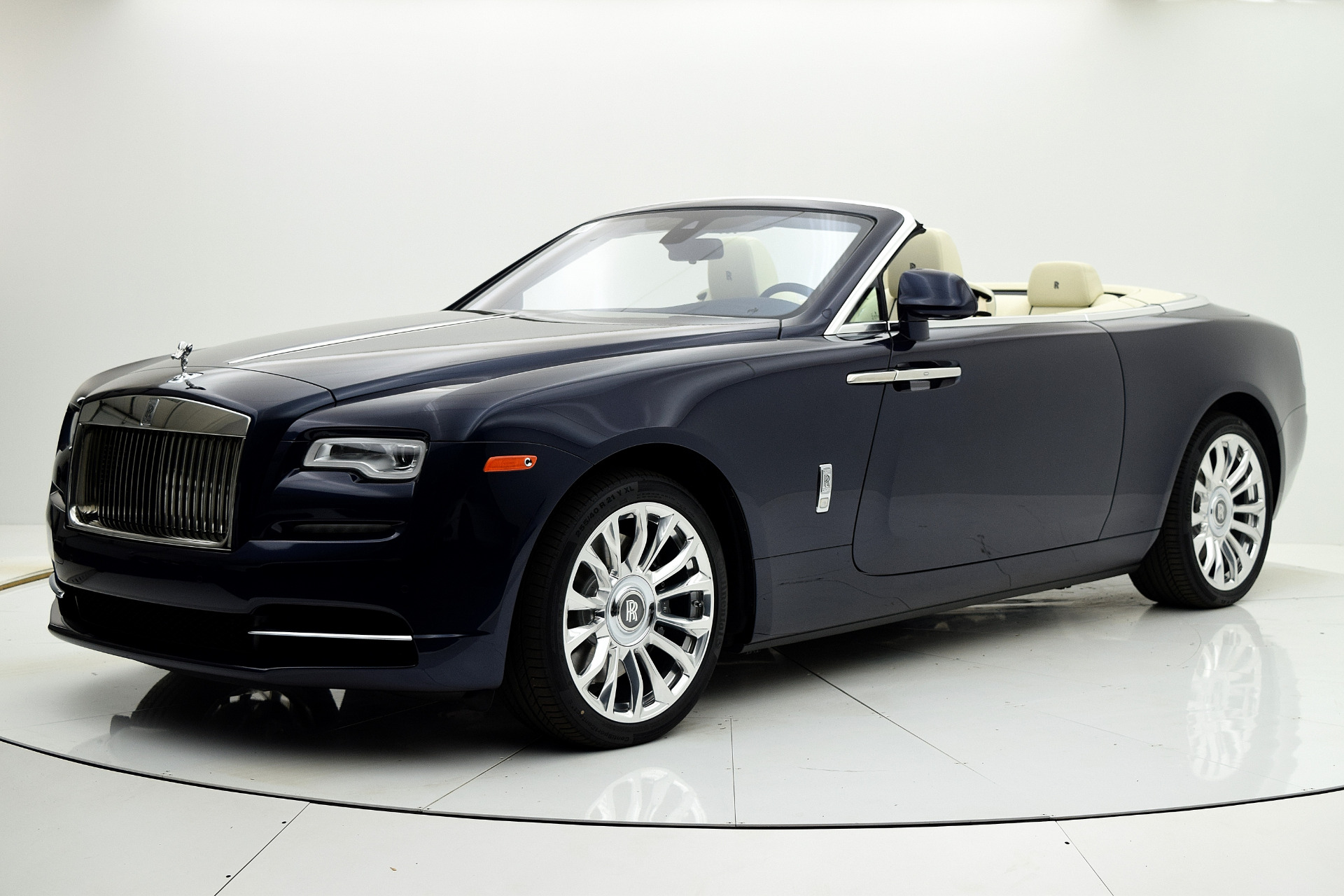 New 2019 Rolls-Royce Dawn for sale Sold at F.C. Kerbeck Aston Martin in Palmyra NJ 08065 2