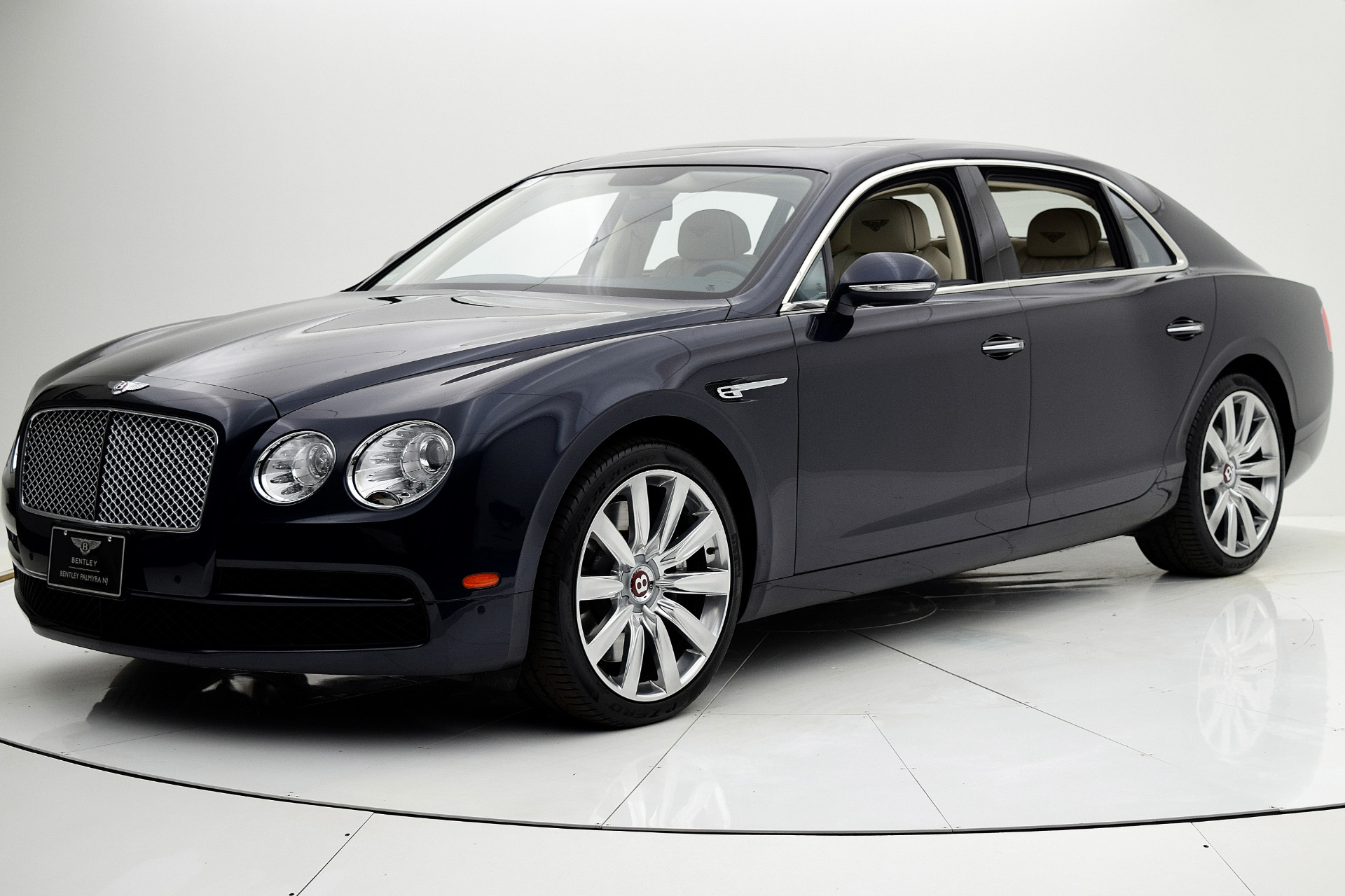 Used 2015 Bentley Flying Spur V8 for sale $112,880 at F.C. Kerbeck Aston Martin in Palmyra NJ 08065 2
