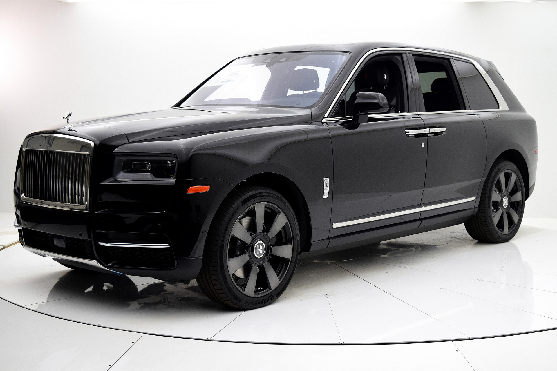 New 2019 Rolls-Royce Cullinan for sale $337,925 at F.C. Kerbeck Aston Martin in Palmyra NJ 08065 2
