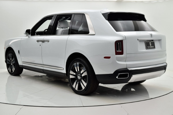 Used 2019 Rolls-Royce Cullinan for sale $349,880 at F.C. Kerbeck Aston Martin in Palmyra NJ 08065 4