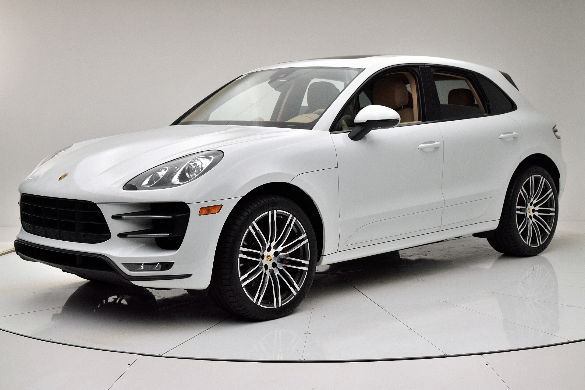 Used 2015 Porsche Macan Turbo for sale $48,880 at F.C. Kerbeck Aston Martin in Palmyra NJ 08065 2