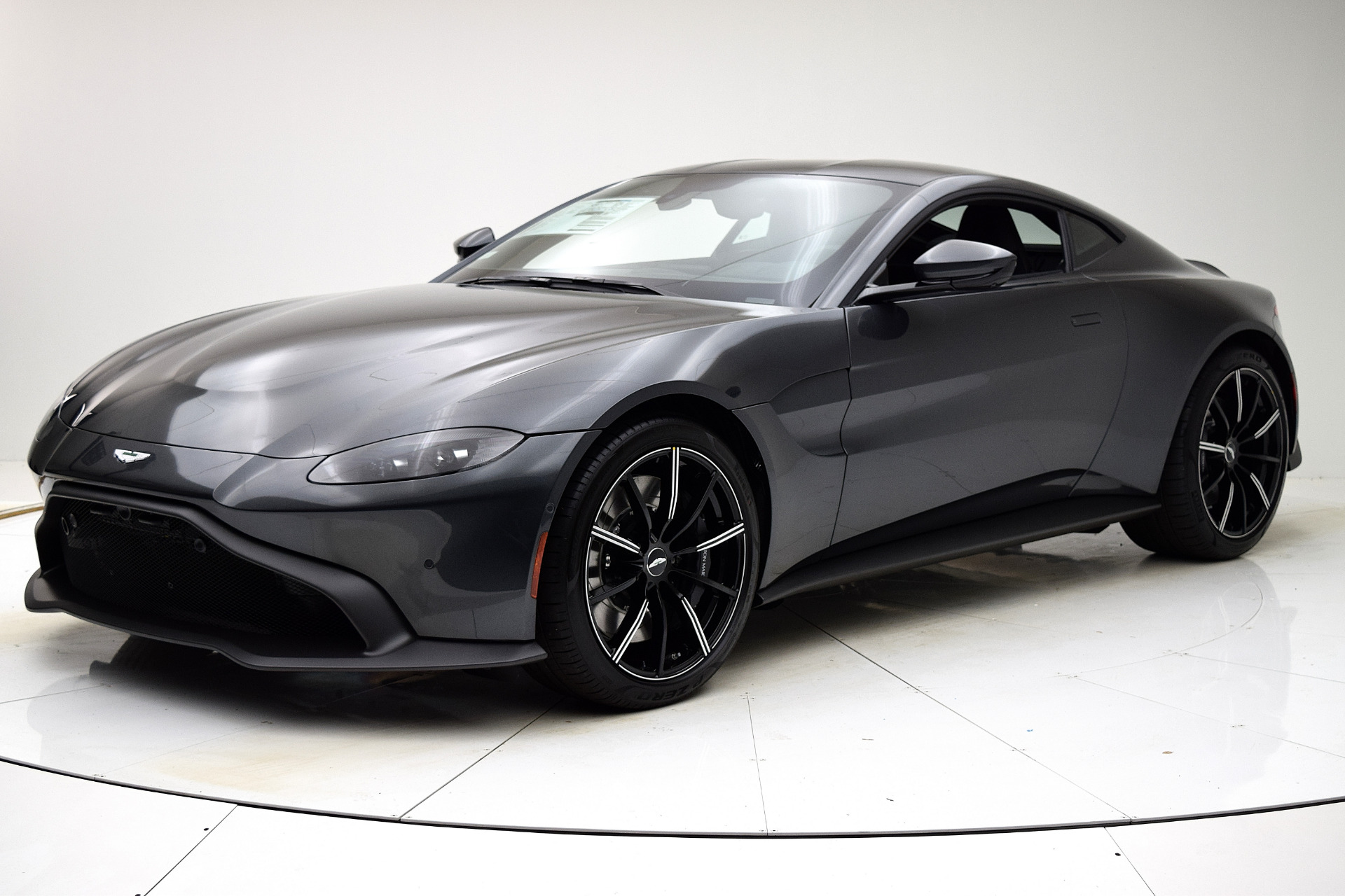 New 2020 Aston Martin Vantage Coupe for sale $171,059 at F.C. Kerbeck Aston Martin in Palmyra NJ 08065 2