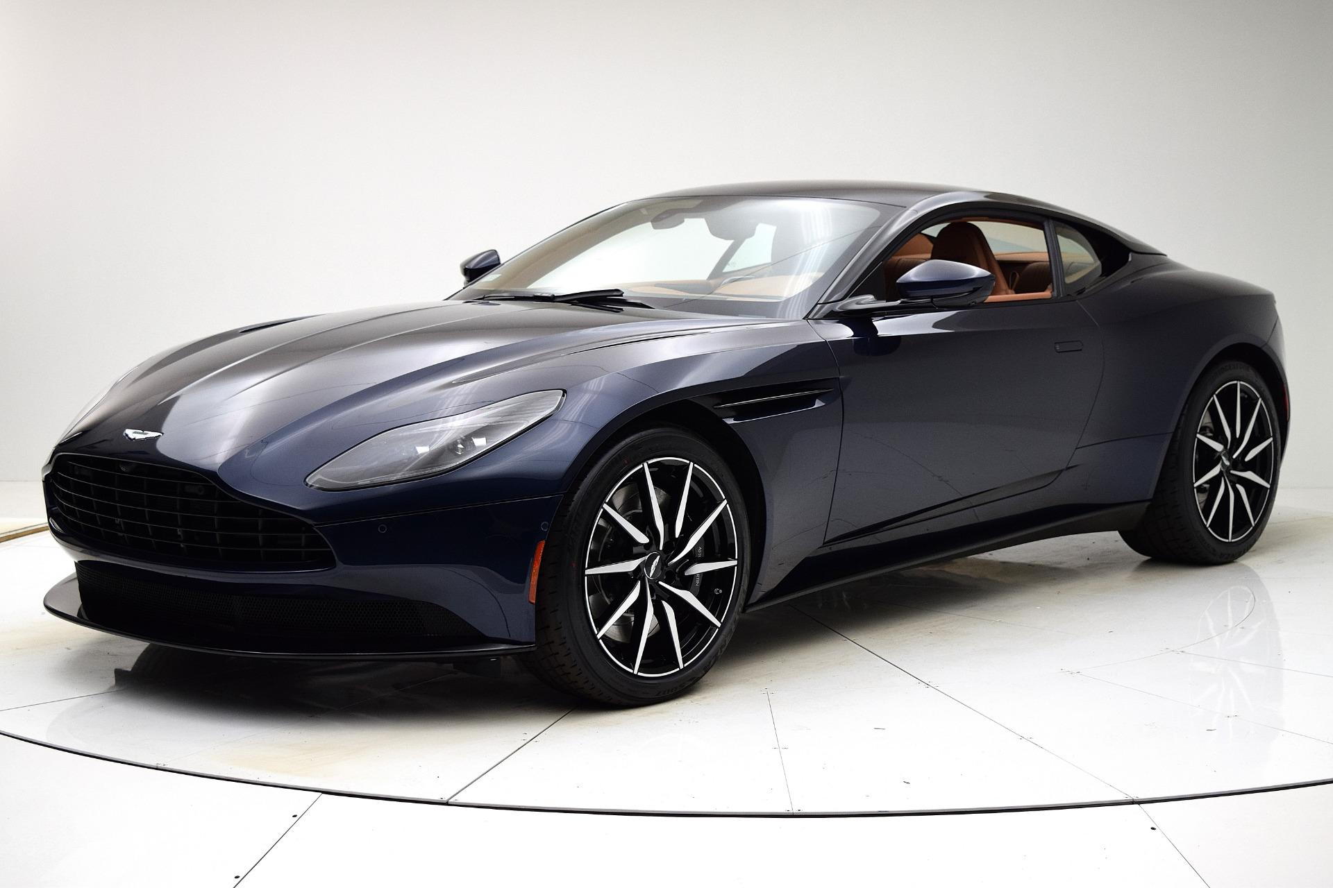 New 2020 Aston Martin DB11 V8 Coupe for sale $242,011 at F.C. Kerbeck Aston Martin in Palmyra NJ 08065 2