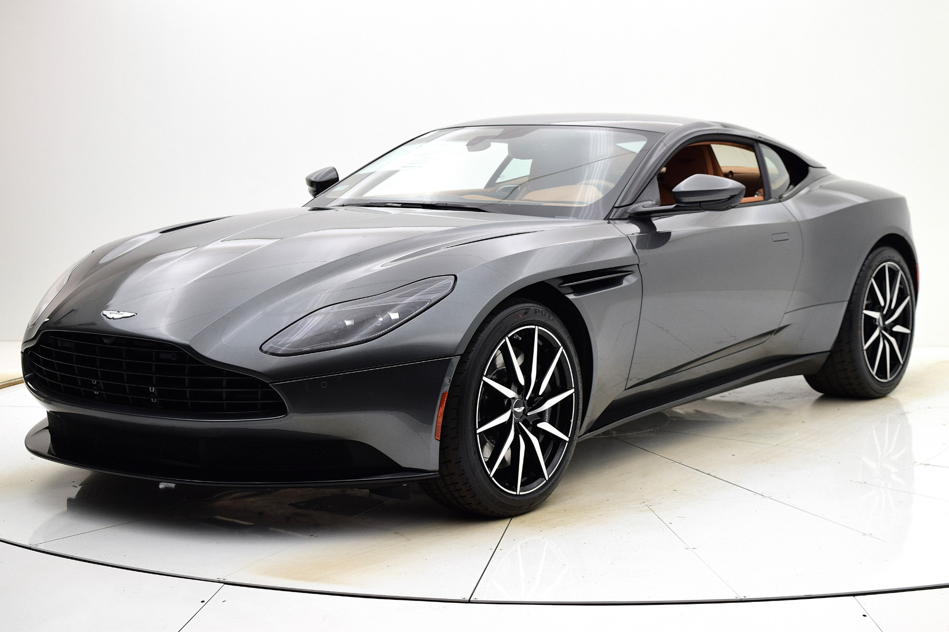 New 2021 Aston Martin DB11 V8 Coupe for sale $231,386 at F.C. Kerbeck Aston Martin in Palmyra NJ 08065 2