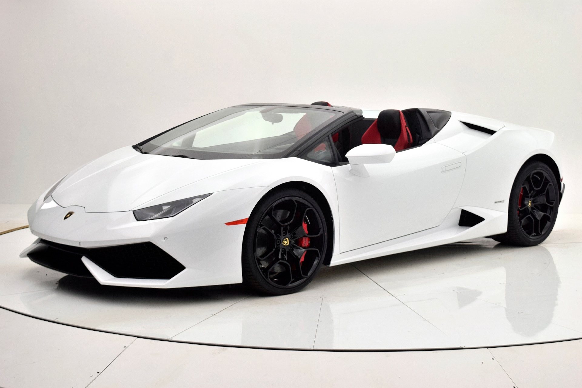 Used 2016 Lamborghini Huracan LP 610-4 Spyder for sale Sold at F.C. Kerbeck Aston Martin in Palmyra NJ 08065 2
