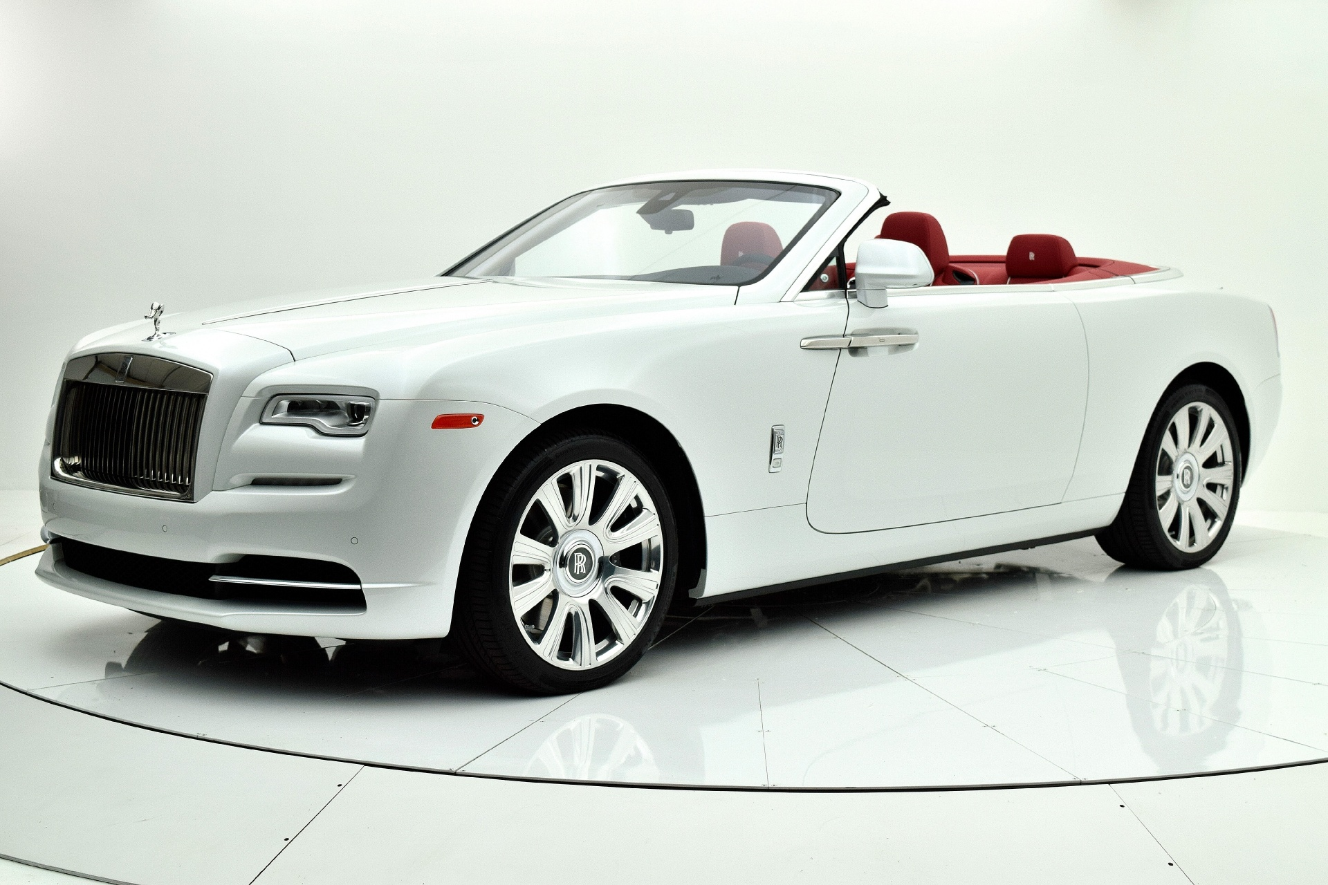 Used 2016 Rolls-Royce Dawn for sale $229,880 at F.C. Kerbeck Aston Martin in Palmyra NJ 08065 2