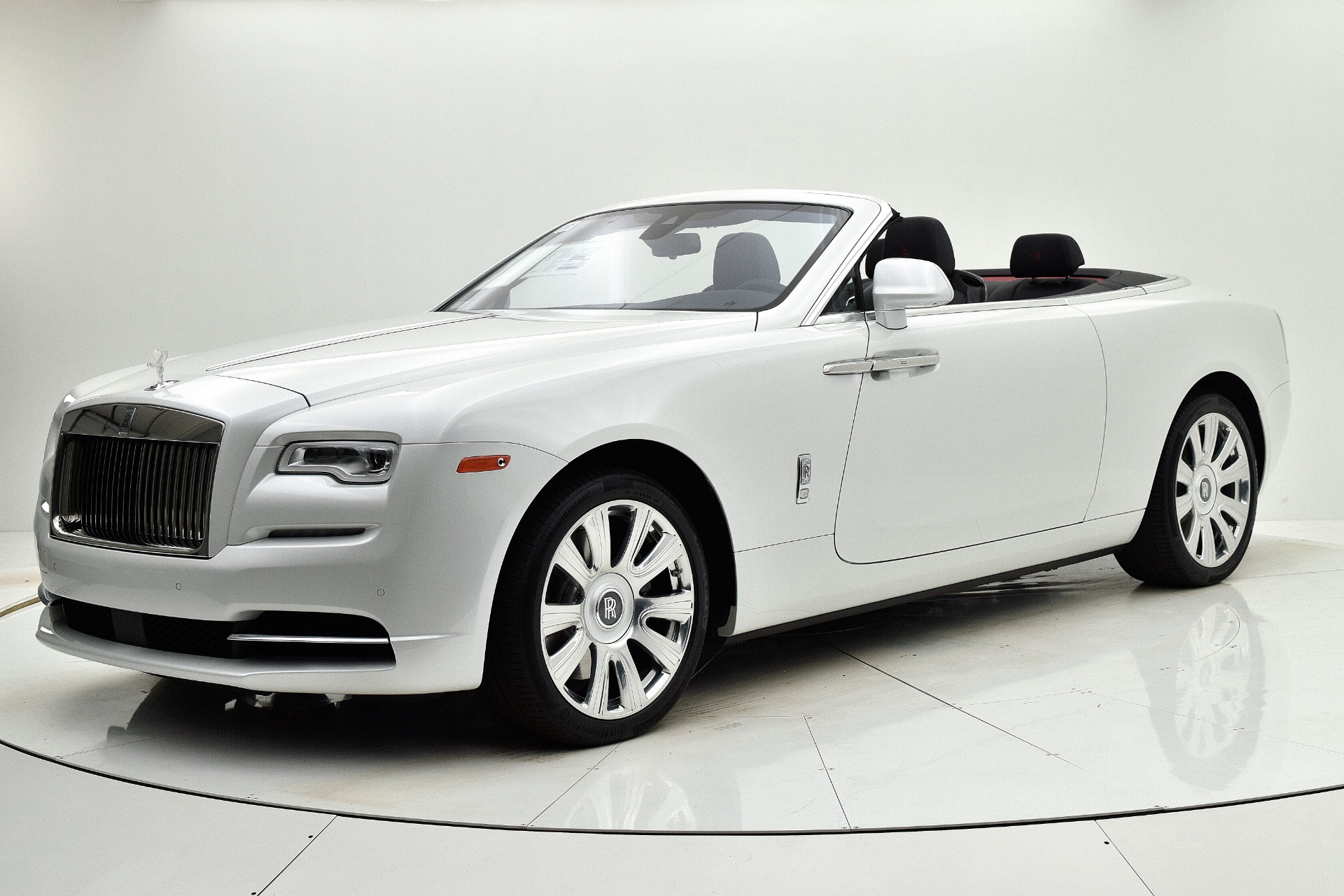 Used 2016 Rolls-Royce Dawn for sale $245,880 at F.C. Kerbeck Aston Martin in Palmyra NJ 08065 2