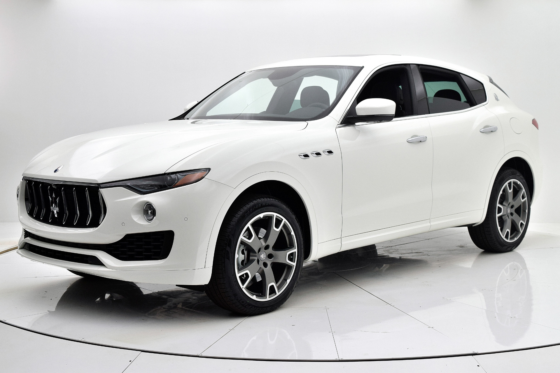 New 2019 Maserati Levante for sale $65,661 at F.C. Kerbeck Aston Martin in Palmyra NJ 08065 2