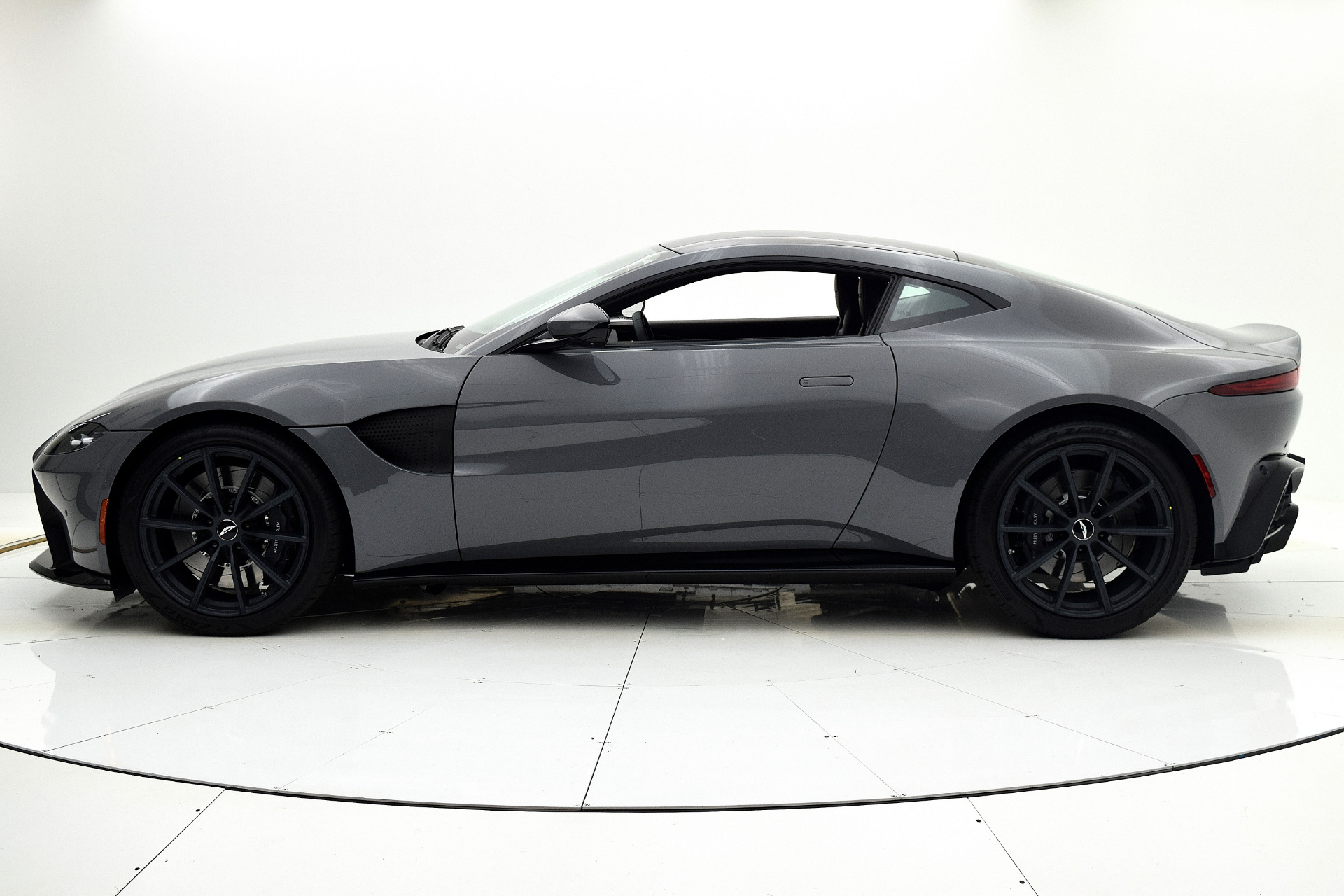 New 2019 Aston Martin Vantage Coupe For Sale 174 284 F C Kerbeck Aston Martin Stock 19a117