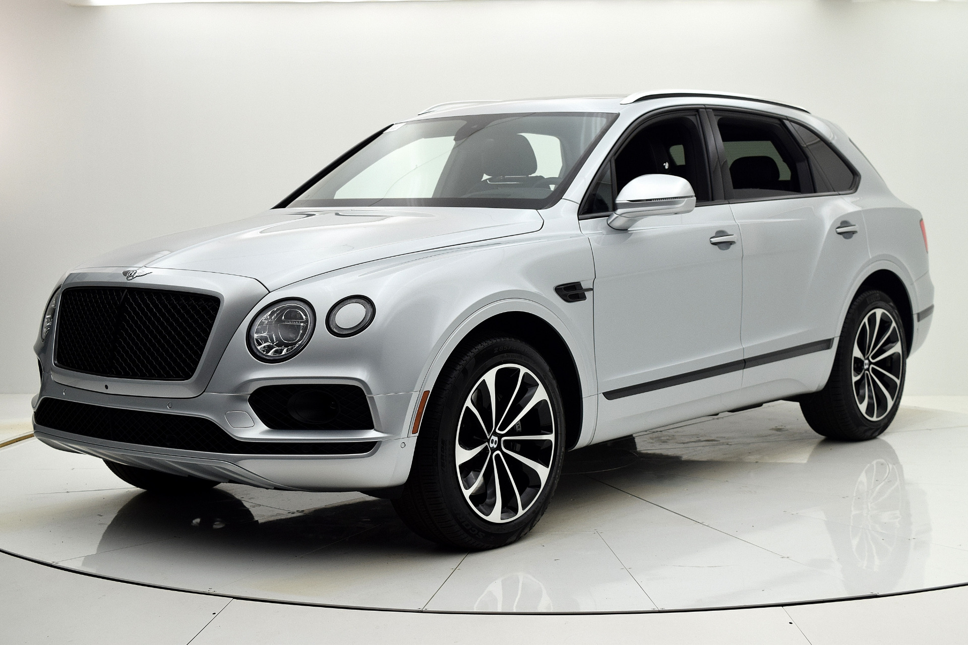 Used 2018 Bentley Bentayga Onyx Edition Blackline Spec for sale Sold at F.C. Kerbeck Aston Martin in Palmyra NJ 08065 2