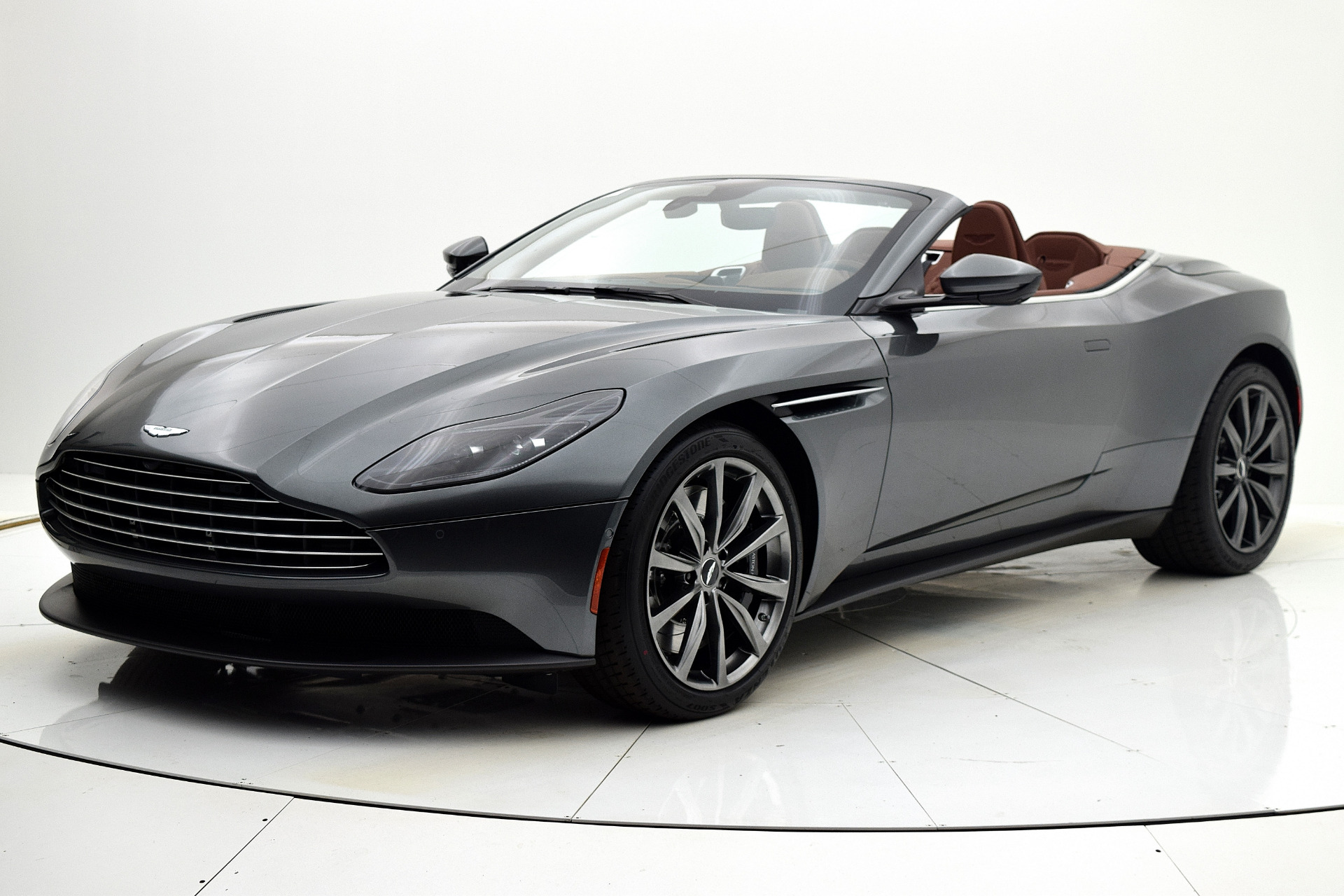 New 2019 Aston Martin DB11 Volante for sale $238,094 at F.C. Kerbeck Aston Martin in Palmyra NJ 08065 2